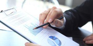 data op papier, pen, hand, transitiepartners