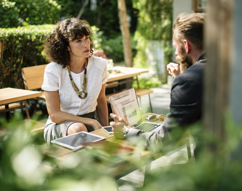 man & vrouw, overleg, transitiepartners